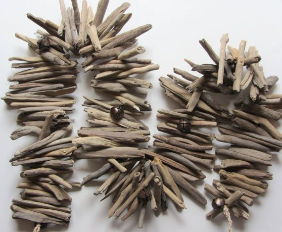 Cintas realizadas con trozos de madera de playa